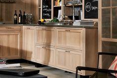 design de cuisine contemporaine avec placards de rangement en bois