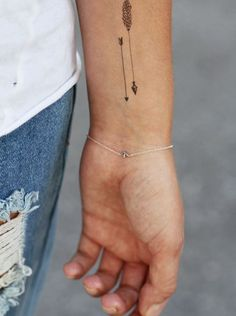 The most beautifull and elegant arrow tattooes I've ever seen. inspiration tattoo arrows