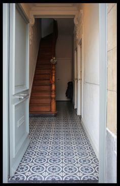 Smaakvol gerenoveerde burgerwoning te Deurne-Zuid Herrystraat 24 Trap, Entrance Hall, Tile Patterns, Stairways, Beautiful Patterns, Decoration, Future House, Tile Floor, Tiles