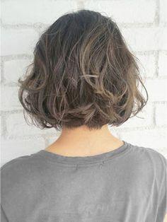 Elegant Bob for Thick Hair Medium Hair Styles, Curly Hair Styles, Natural Hair Styles, Permed Hairstyles, Hairstyles Haircuts, Girl Short Hair, Short Hair Cuts, Shot Hair Styles, Love Hair