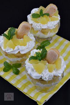 Desert la pahar, cu crema de iaurt si ananas - CAIETUL CU RETETE Cheesecake, Desserts, Food, Meal, Cheesecakes, Deserts, Essen, Hoods, Dessert