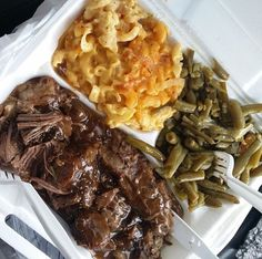 🌟💥🌟Saved by Ebony🌟💥🌟 From FunkyFabu 🌟💖🌟 Food Porn, Plate Lunch, Comfort Food, Food Goals, Food Cravings, Southern Recipes, I Love Food, Soul Food, Food And Drink