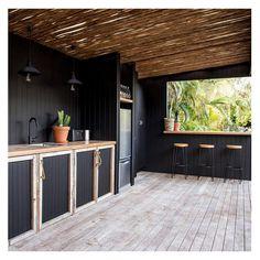 Amazing 42 Extraordinary Diy Outdoor Kitchen Design Ideas To Try Asap. Outdoor Bbq Kitchen, Patio Kitchen, Outdoor Kitchen Design, Outdoor Dining, Pergola Patio, Backyard, Gazebo, Parrilla Exterior, Beach Cottages