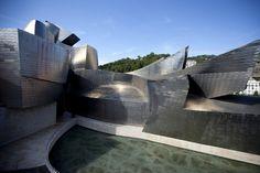 Musée Guggenheim, Bilbao, Espagne http://www.vogue.fr/vogue-hommes/culture/diaporama/les-plus-belles-oeuvres-de-frank-gehry-s-exposent-a-paris/20683/image/1105113#!musee-guggenheim-bilbao-espagne                                                                                                                                                                                 Plus