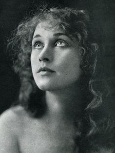 Anna Q Nilsson born as Anna Quirentia Nilsson in Ystad, Sweden on 30 March 1888. She died 11 February 1974.