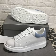 Sneakers Alexander Mcqueen Woman Shoes 57 Ideas- Lau&Co Women's Shoes, Mode Shoes, Sneakers Mode, New Sneakers, White Sneakers, Sneakers Fashion, Fashion Shoes, Adidas Sneakers, Sneakers Style