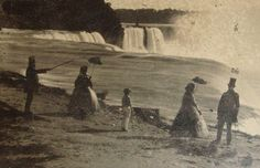 A strong southwest gale winds had pushed a huge chunks of lake ice to the extreme north-eastern tip of Lake Erie, blocking the lake's outlet into the head of the Niagara River. This happened in Mystery Of History, Local History, Niagara Falls Pictures, Angel Stories, American Falls, Times New Roman, Historical Clothing, Old Photos, Black And White