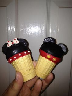 Mickey and Minnie Cake Pop Ice Cream Cones Mickey Mouse Treats, Mickey And Minnie Cake, Mickey Mouse Bday, Theme Mickey, Mickey Mouse Clubhouse Birthday Party, Mickey Party, Mickey Mouse And Friends, Minnie Mouse Party, Mickey First Birthday