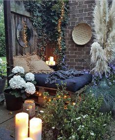 Bohemian Garden And patio Ideas Bohemian Interior, Bohemian Decor, Bohemian Garden Ideas, Bohemian Design, Outdoor Rooms, Outdoor Living, Outdoor Decor, Back Gardens, Outdoor Gardens