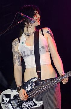 Brody Dalle punk style