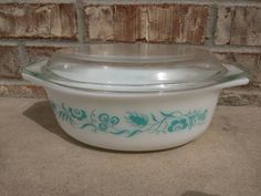 Check out this item in my Etsy shop https://www.etsy.com/listing/230036599/vintage-pyrex-aqua-blue-turquoise