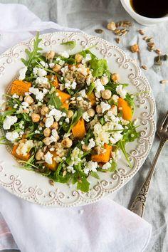 Salade met parel couscous en geroosterde pompoen