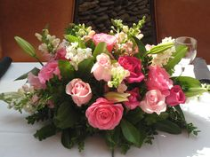 Soft pink table centerpiece