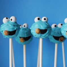 Awesomely cute little Cookie Monster Cake Pops.