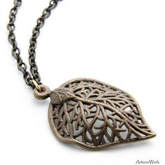Simply Amazing!! -- 3d Printed Necklace inspired by a Leaf.Join the 3D Printing Conversation: http://www.fuelyourproductdesign.com/