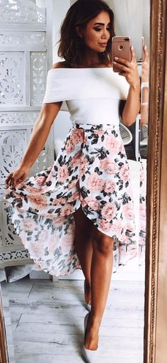 Clothing Sweet Dancer Skirt In White Floral ! 💖😍 ClothingSource : Sweet Dancer Skirt In White Floral ! Cozy Fall Outfits, Trendy Summer Outfits, Spring Outfits, Cute Outfits, Modest Fashion, Fashion Outfits, Womens Fashion, Fashion Tips, Fashion Trends