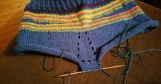 Blogi erilaisista käsitöistä. Crochet Bikini, Crochet Top, Halter Crop Top, Wool Pants, Bikinis, Swimwear, Free Pattern, Crop Tops, Knitting