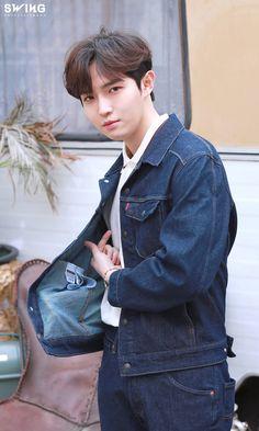 Jaehwan Wanna One, 61 Kg, Lee Daehwi, Ong Seongwoo, Kim Jaehwan, Ha Sungwoon, Fans Cafe, Jaejoong, My Youth