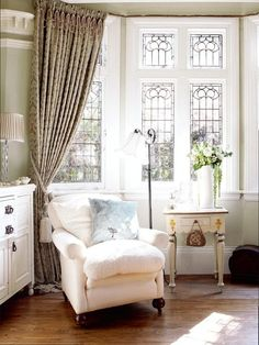 dyingofcute:    elegant English country with absolutely beautiful windows