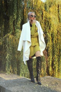 Fashion Poses, Fashion Outfits, Gold Rush, Cool Boots, Classy Women, Over The Knee Boots, Heeled Boots, Raincoat, Mini Skirts