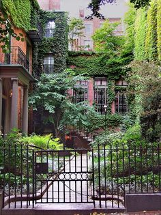 Beacon Hill, an historic Boston neighbourhood of Federal-style row houses, with narrow cobble streets and brick sidewalks Garden On A Hill, Home And Garden, The Places Youll Go, Places To Go, Beacon Hill Boston, Beautiful Homes, Beautiful Places, Parcs, Future House