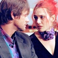 What a loss to spend that much time with someone, only to find out that she' s a stranger. 🔺 #eternalsunshineofthespotlessmind #katewinslet #jimcarey #joel #clementine #love #cinema #couple #movie #film