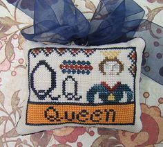 Carriage House Samplings » Queen Alphabet Block