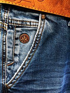 Types Of Jeans, Denim Art, Work Jeans, Denim Pants Mens, Colored Jeans, Blue Denim, Nice Dresses, Menswear, Mens Fashion