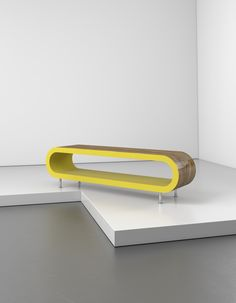 The Huge Zestretch Coffee Table Measures Up To 1 7m In Length This One Is