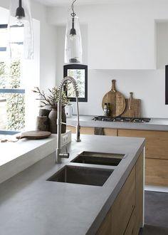 The kitchen that is top-notch white kitchen , modern kitchen , kitchen design ideas! Home Decor Kitchen, Kitchen Interior, New Kitchen, Kitchen Grey, Kitchen Sink, Kitchen Wood, Kitchen Island, Kitchen Modern, Kitchen Worktops