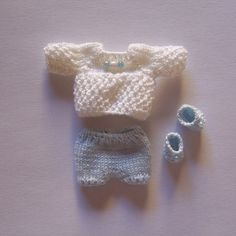 OOAK-Handmade-knitted-outfit-for-miniature-baby-doll-RB190