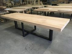 Diy Dining Room Table, Kitchen Table Bench, Dining Table Design, Kitchen Nook, Dining Bench, Metal Furniture, Furniture Design, Wooden Tables, Home Decor