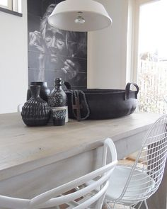 Binnenkijken bij esther22 Black And White Interior, Interior Decorating, Interior Design, Kitchen Styling, Home Living Room, Interior Inspiration, Home Kitchens, Interior And Exterior, Sweet Home