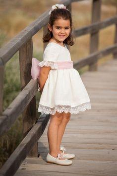 leonorysofia vestidosdearras 2019 Baby Girl Birthday Dress, Girls Party Dress, Baby Dress, Cute Girl Dresses, Little Girl Dresses, Flower Girl Dresses, Cute Toddler Girl Clothes, Party Wear Frocks, Wedding Dresses For Kids