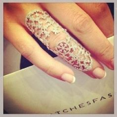 e ring shield ring silver rings snowflake cute versace coachella channels ring juicy couture miley cyrus Full Finger Rings, Ring Finger, Jewelry Accessories, Jewelry Design, Fashion Accessories, Snowflake Shape, Rings N Things, Body Jewelry, Jewelry Box