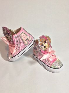 Zapatos Bling Bling, Bling Converse, Bling Shoes, Baby Sneakers, High Top Sneakers, Custom Shoes, Customised Shoes, Converse Brillantes, Bb Shoes