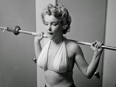 vintage everyday: Candid Photos of Marilyn Monroe Working Out at the Beverly Carlton Hotel, 1952