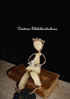 Lecteur, sculpture, figurine décorative en fil de fer kraft et papier : Accessoires de maison par etlabobinettecherra