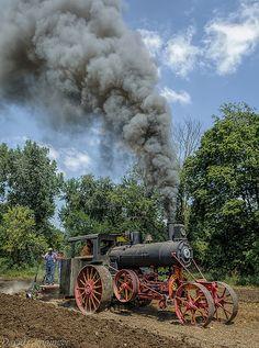 Steam Traction Engine by Leonard Donaldson Antique Tractors, Vintage Tractors, Old Tractors, Vintage Farm, Lanz Bulldog, Steam Tractor, Classic Tractor, Traction, Old Farm Equipment