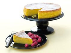 I love this mostly as a cake for pudding (though there is nothing wrong at all with a slice with a cup of tea) when I also serve it with raspberries. Nigella Lawson, Gluten Free Cakes, Gluten Free Recipes, Cheesecakes, Springform Cake Tin, Brunch, Sandwiches, Gateaux Cake, Almond Cakes
