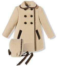 abrigo-con-capota-camel-y-marron-chocolate.jpg (1024×1132)