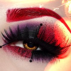 Black, purple and red dramatic eye-shadow - Halloween Make-up Ideas