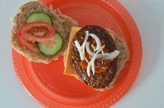 Leuk idee voor een feestje is een hamburger buffet. Ik laat je zien hoe je dit doet en wat je allemaal nodig hebt.
