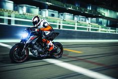 2017 KTM Super Duke 1290 R: an early upgrade to the baddest naked bike on the...