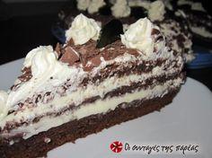 Παντεσπάνι σοκολατένιο φουντουκιού #sintagespareas Greek Desserts, Greek Recipes, Food Styling, Tiramisu, Cooking Recipes, Sweets, Ethnic Recipes, Cakes, Dessert Ideas