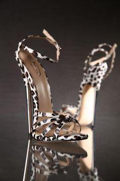 .OMG I LOVE THESE!!!! Leapard print stilletos