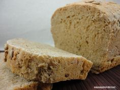 Eat Cake For Dinner: Great Harvest Honey Whole Wheat Bread Copycat - a friend served this with dinner Sunday night - Super yummy!!