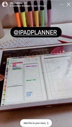 Como começar a usar o iPad para planejamento digital. Instale um programa de anotações - GoodNotes ou Notability. Importe o planejador para seu aplicativo de anotações. Neste planejador do dia para iPad, você encontrará o calendário de 2021 a 2022. Planejador semanal e mensal. Opcionalmente, você pode usar adesivos digitais. Study Planner, Life Planner, Weekly Planner, Study Hacks, Study Tips, Ipad, Calendar Date, College Planner, Note Taking