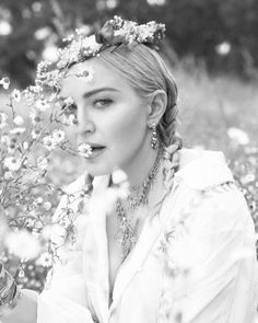 HD Madonna in Fendi photographed by Mert Alas & Marcus Piggott for Vogue Italia, August Madonna Vogue, Madonna Rare, Lady Madonna, Madonna Pictures, Alas Marcus Piggott, Poor Little Rich Girl, Cool Blonde, Most Beautiful Faces, Beautiful Things