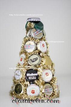 #Navidad #Árbol de Navidad con chapas  #corcholatas #reciclaje #Christmas #tree #recycling #recycled #DIY #craft #manualidades